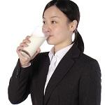 牛乳は便秘解消に即効なのか?